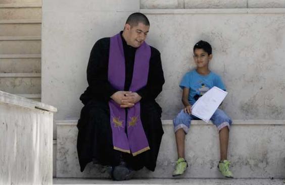 padre Jorge Hernández párroco de Gaza
